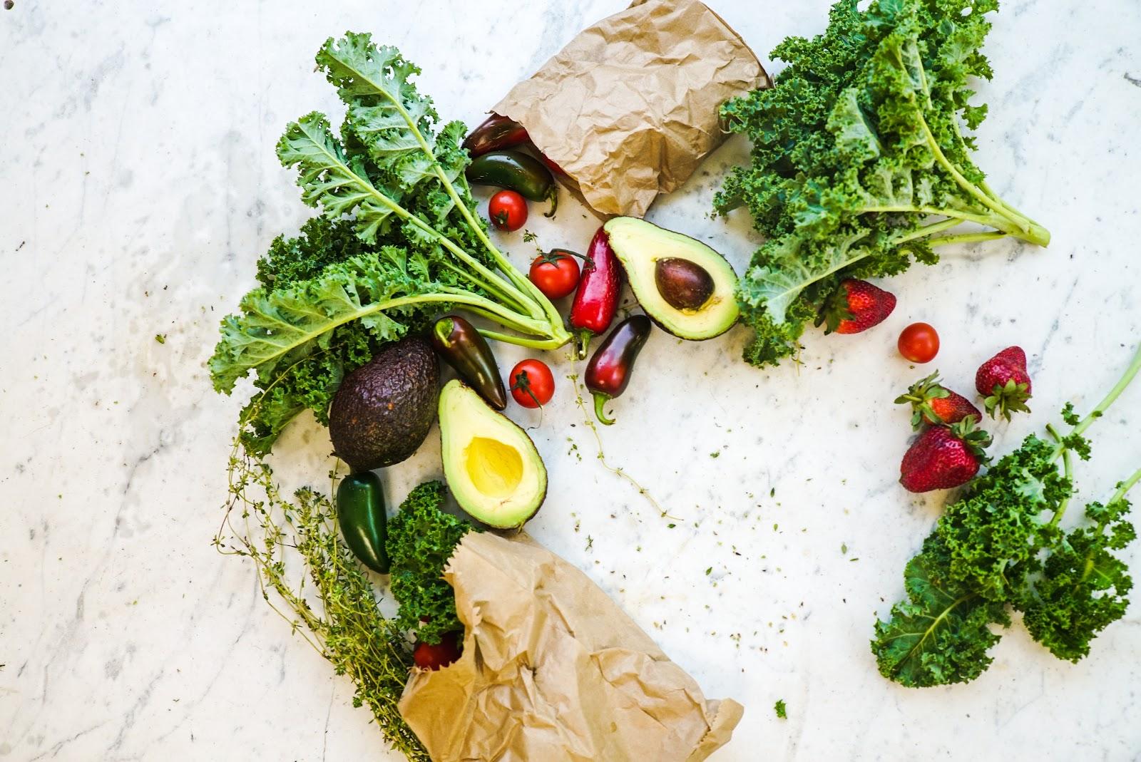 avocado close up eating healthy 1656666 1
